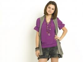 Selena Gomez 82