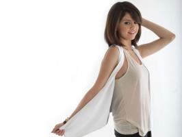Selena Gomez 88