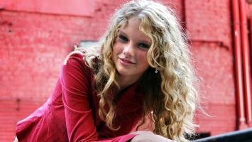 Taylor Swift 27