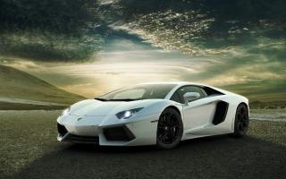 White Lamborghini Aventador